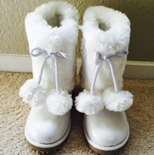 white-fuzzy-snow-boots-with-pom-pom-buy-sell-used-kids-clothes-app